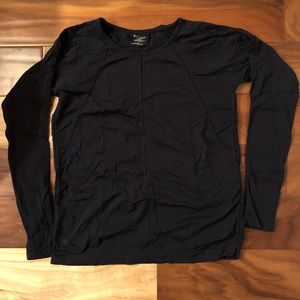 Black Athleta long sleeve with cutout detail